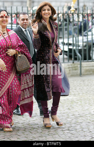 Shilpa Shetty Indian film actress star of Bollywood movies and her mother Sunanda for Commonwealth Day service Westminster - Stock Photo