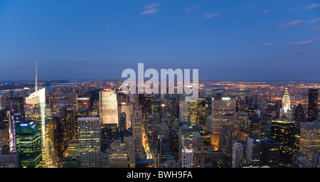 USA, New York, Manhattan, View from Empire State building over midtown skyscrapers with Art Deco Chrysler Building - Stock Photo