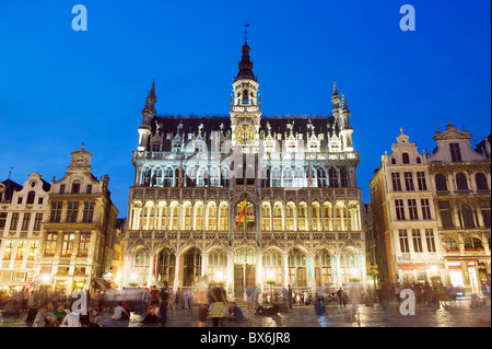 Hotel de Ville (Town Hall) in the Grand Place illuminated at night, UNESCO World Heritage Site, Brussels, Belgium, - Stock Photo