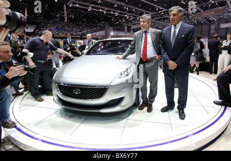 Ratan N. Tata, Paolo Pininfarina, Tata Prima, car - Stock Photo
