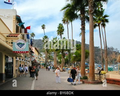 Shops and restaurants along the beach promenade avenida for Agadir moroccan cuisine aventura fl
