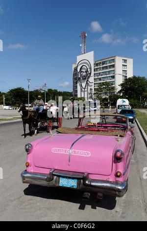Placa de la Revolucion Square, Oldtimer Taxi, Havanna, Cuba, Caribbean - Stock Photo