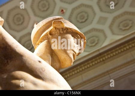 Marble statue of a wounded warrior, Roman, Antonine period, AD 138-181, Metropolitan Museum of Art, NYC - Stockfoto