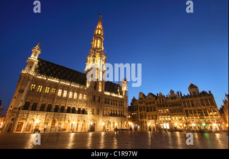 The town hall of Brussels, Belgium (night shot) - Stock Photo