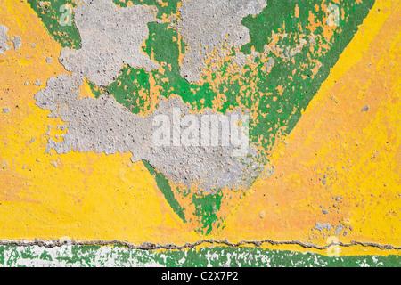 Distressed Farbe auf Betonwand - Stockfoto
