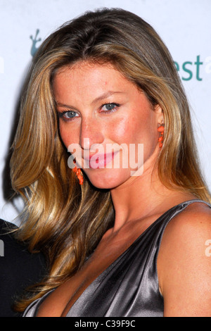 Gisele Bundchen Rainforest Alliance 2009 Annual Gala New York City, USA - 06.05.09 Patricia Schlein/ - Stock Photo