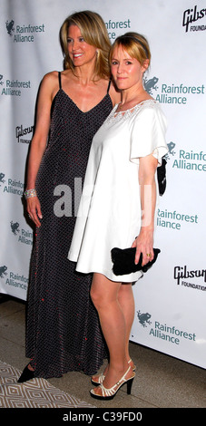 Paula Zahn and Mary Stuart Masterson Rainforest Alliance 2009 Annual Gala New York City, USA - 06.05.09 Patricia - Stock Photo
