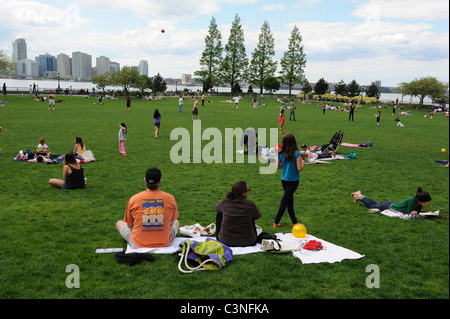 Rockefeller Park in Battery Park City, with the Hudson River and New Jersey in the distance. May 8, 2011 - Stock Photo