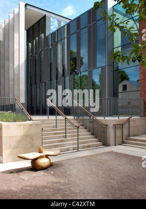 Modern architecture in Salisbury - Stock Photo
