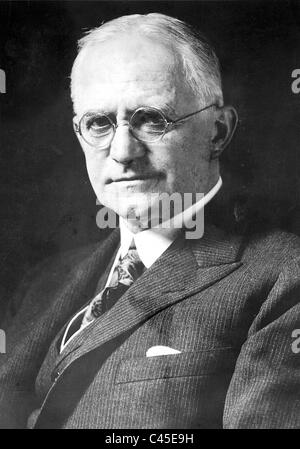george eastmans inventions Cultural icon with the slogan you press the button, we do the rest, george eastman put the first simple camera into the hands of a world of consumers in 1888.
