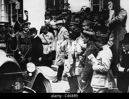 German delegation after the signing of the Peace Treaty of Versailles, 1919 - Stock Photo