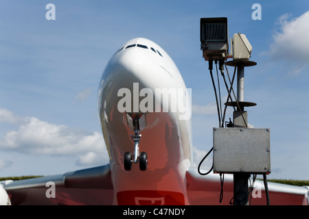 Big scale model of an emirates airbus a380 861 a6 edh - Emirates camera ...