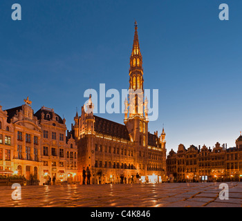 Since 1402 built guildhall in Gothic style with 91 meter high tower, on the market place, Grand Place, Brussels, - Stock Photo