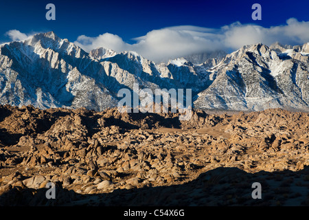Mountains at sunrise, Alabama Hills, Lone Pine Peak, Mt Whitney, Californian Sierra Nevada, California, USA - Stock Photo