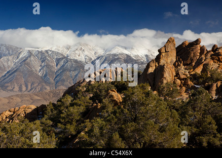 Mountains at sunrise, Alabama Hills, Lone Pine Peak, Californian Sierra Nevada, California, USA - Stock Photo