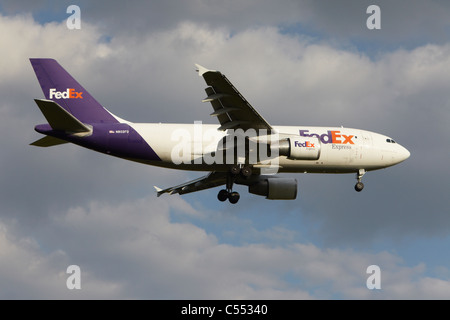FedEx Airbus A310-324F on final approach - Stock Photo