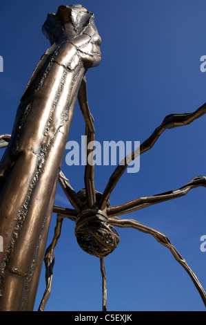The spider sculpture Maman by Louise Bourgeois. Guggenheim Museum Bilbao. Designed by Canadian-American architect - Stock Photo