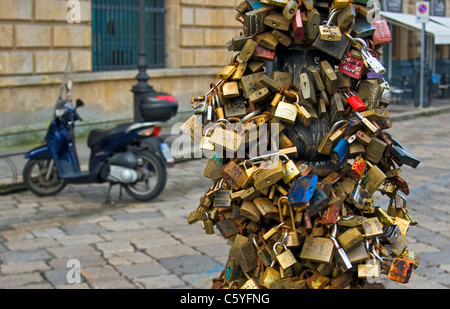 Love Locks (Padlocks) on Lamppost, Piazza Sant'Oronzo, Lecce, Apulia (Puglia), Southern Italy - Stock Photo