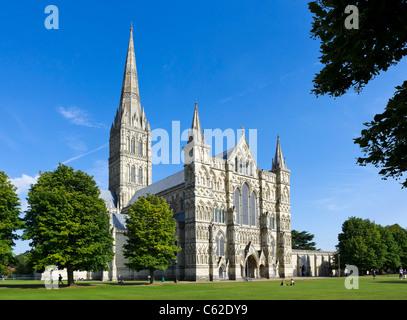 Salisbury Cathedral, Salisbury, Wiltshire, England, UK - Stock Photo
