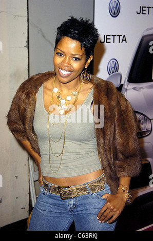 Malinda Williams poses for photographers, at the launch of the 2005 Volkswagen Jetta at The Lot, Los Angeles, CA - Stock Photo