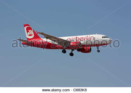 Air Berlin Airbus A319 on final approach - Stock Photo