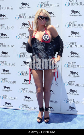 Angel Porrino All-American Holly Madison hosts Wet Republic on 4th of July at MGM Grand Resort Casino Las Vegas, - Stock Photo