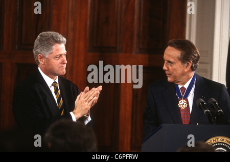 an analysis of the bill clinton versus bob dole Republicans see parallels between 2016 and 1996: they prioritize  congressional races in october as  that year bob dole lost to bill clinton.