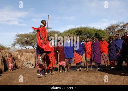 """views culture and lifestyle of people of masai in east africa The cattle-herding maasai, who traditionally follow a seminomadic lifestyle, are often regarded as the maasai """"proper"""" other maasai groups include the samburu of kenya and the arusha of tanzania  your fierce and firm resistance ensured the continued freedom of your people and the other tribes of east africa even today as."""