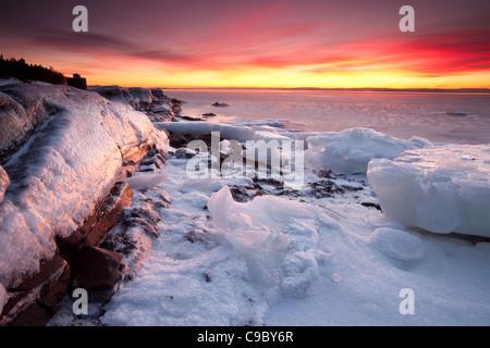 Icy coastal landscape at the island Jeløy in Moss kommune, Østfold fylke, Norway. - Stock Photo
