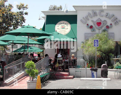 May 08, 2004; Los Angeles, CA, USA; Urth Caffe's retail store on Melrose Avenue in West Hollywood is, you could - Stock Photo
