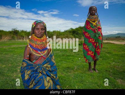 Mwila Women With Togas, Chibia Area, Angola - Stockfoto