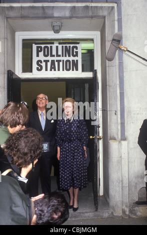 Mrs Maggie Margaret Thatcher and Denis Thatcher leaving their Polling Station in Westminster having just voted in - Stockfoto