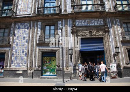 Casa de los azulejos house of tiles restaurant mexico for Casa de los azulejos sanborns