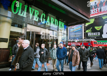 Olive garden italian restaurant chain stock photo royalty free image 59268861 alamy Olive garden italian restaurant new york ny
