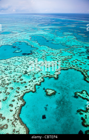 Aerial views of beautiful Heart Reef in the spectacular Great Barrier Reef near the Whitsunday Islands in Queensland, - Stockfoto