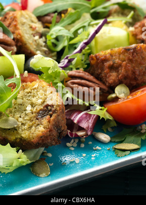 falafel salad - Stockfoto