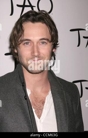 Nov 07, 2010 - Las Vegas, Nevada, USA - Actor RYAN EGGOLD  at the TAO Restaurants 5th Anniversay inside the Venetian - Stockfoto