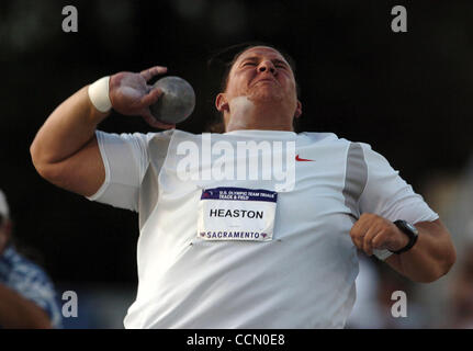 Kristin Heaston took 2nd place in the shot put Friday July 16, 2004 at the 2004 U.S. Olympic Track and Field Trials - Stockfoto
