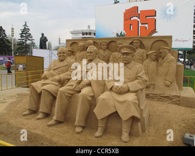 Sand sculptures festival in Moscow. Pictured: sand sculpture `The `Big Three` at the Yalta Conference: Winston Churchill, - Stock Photo