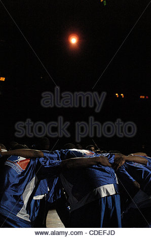 Apr. 16, 2005 - Cleveland, OH, USA - The HBCU All-Stars prepare to take to the court vs the Ohio All-Stars - Stock Photo