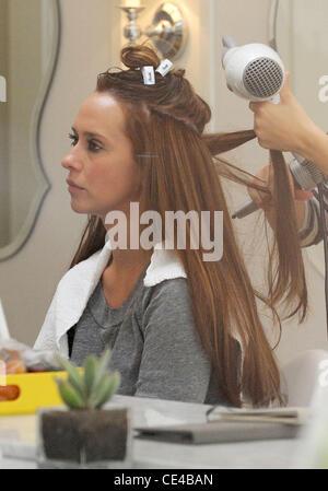 Jennifer Love Hewitt Getting Her Hair Blow Dried At Drybar In Studio City  Los Angeles,