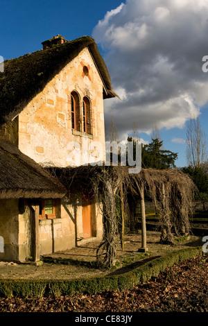 Maison de la reine versailles chateau france stock photo for Maison du monde 83 la garde