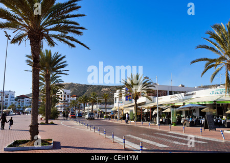 Shops and restaurants along the beach promenade avenida for Agadir moroccan cuisine aventura fl