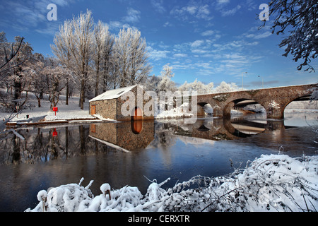 The Boat House on the river Lagan on a cold December morning, Northern Ireland. - Stockfoto