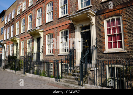 An 18th century Georgian terrace in Mile End Road. - Stock Photo