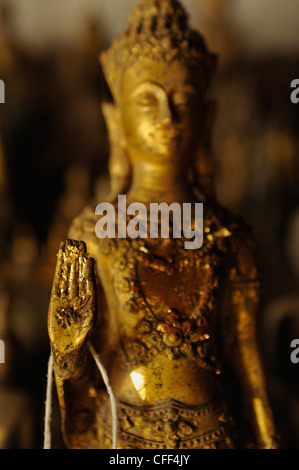 abhaya mudra left hand the buddha statue in abhaya mudra pose symbolizing 10330