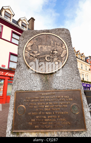 Cobh, County Cork, Ireland. Monument to the victims of the Titanic tragedy, by M. O'Donovan. - Stock Photo