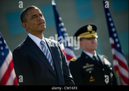 US President Barack Obama and Army General Martin Dempsey, Chairman of the Joint Chiefs of Staffs attend a ceremony - Stock Photo