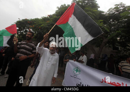 Sept. 29, 2012 - Gaza City, Gaza Strip, Palestinian Territory - Palestinians take part in a protest against what - Stockfoto