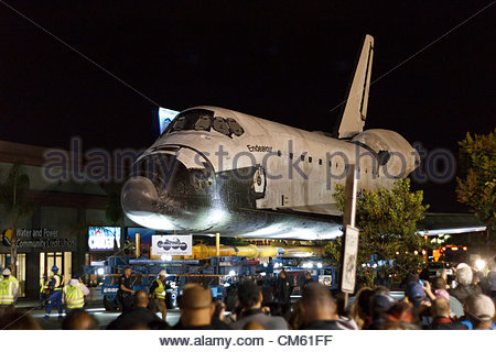 California, USA. 12th October 2012. NASA space shuttle Endeavour near it's first scheduled rest stop in Westchester, - Stock Photo